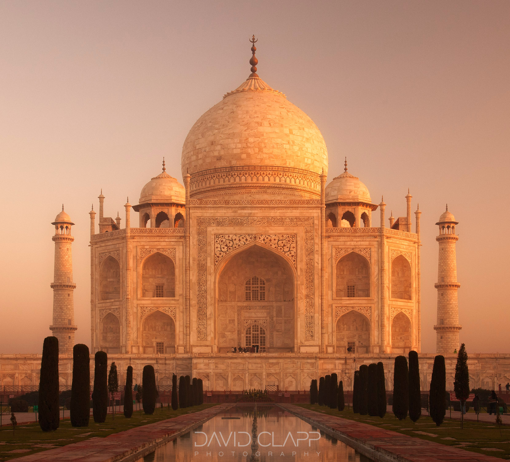 Photographing Dawn at the Taj Mahal
