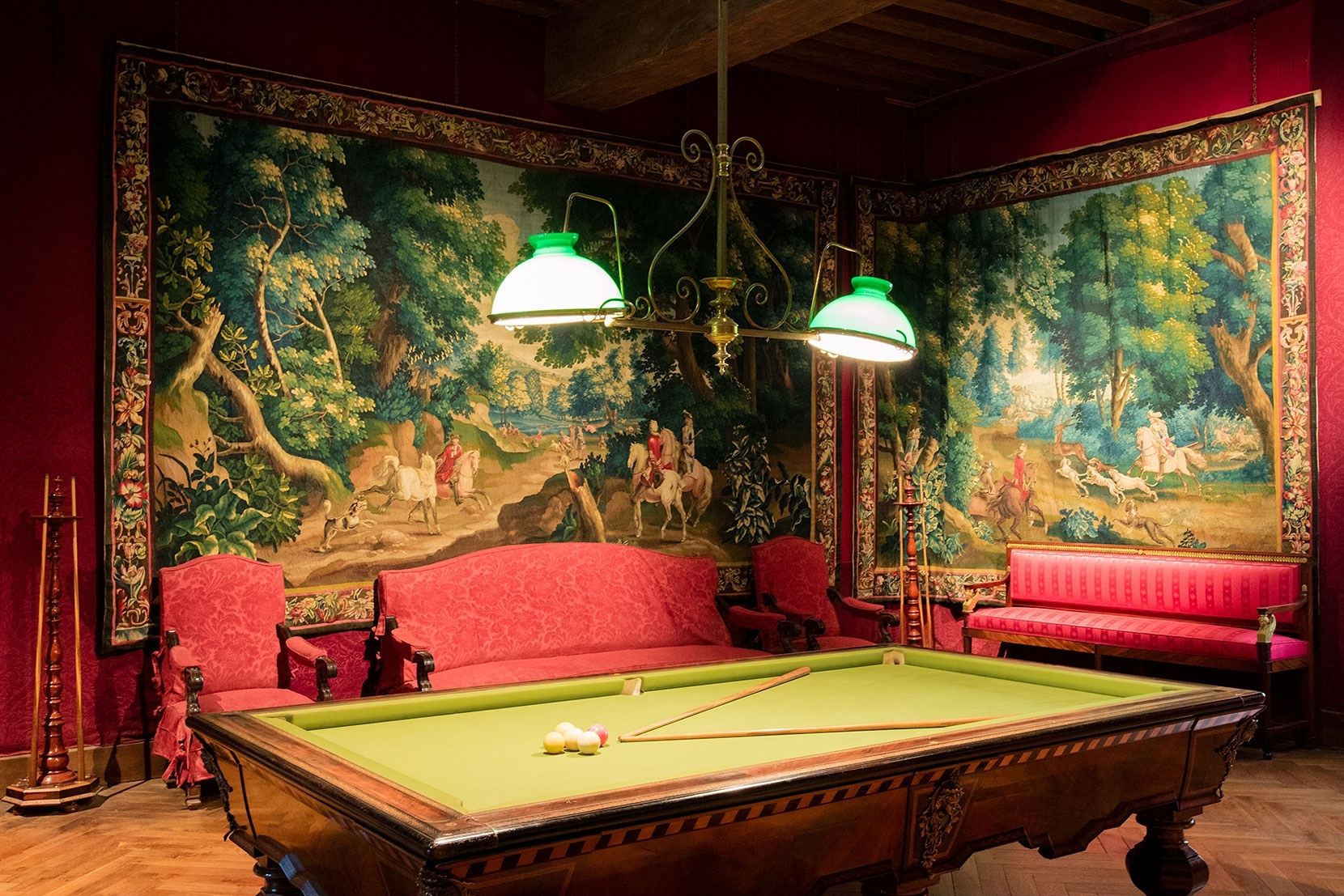 A magnificent snooker room in the chateau Azay-Le-Rideaux