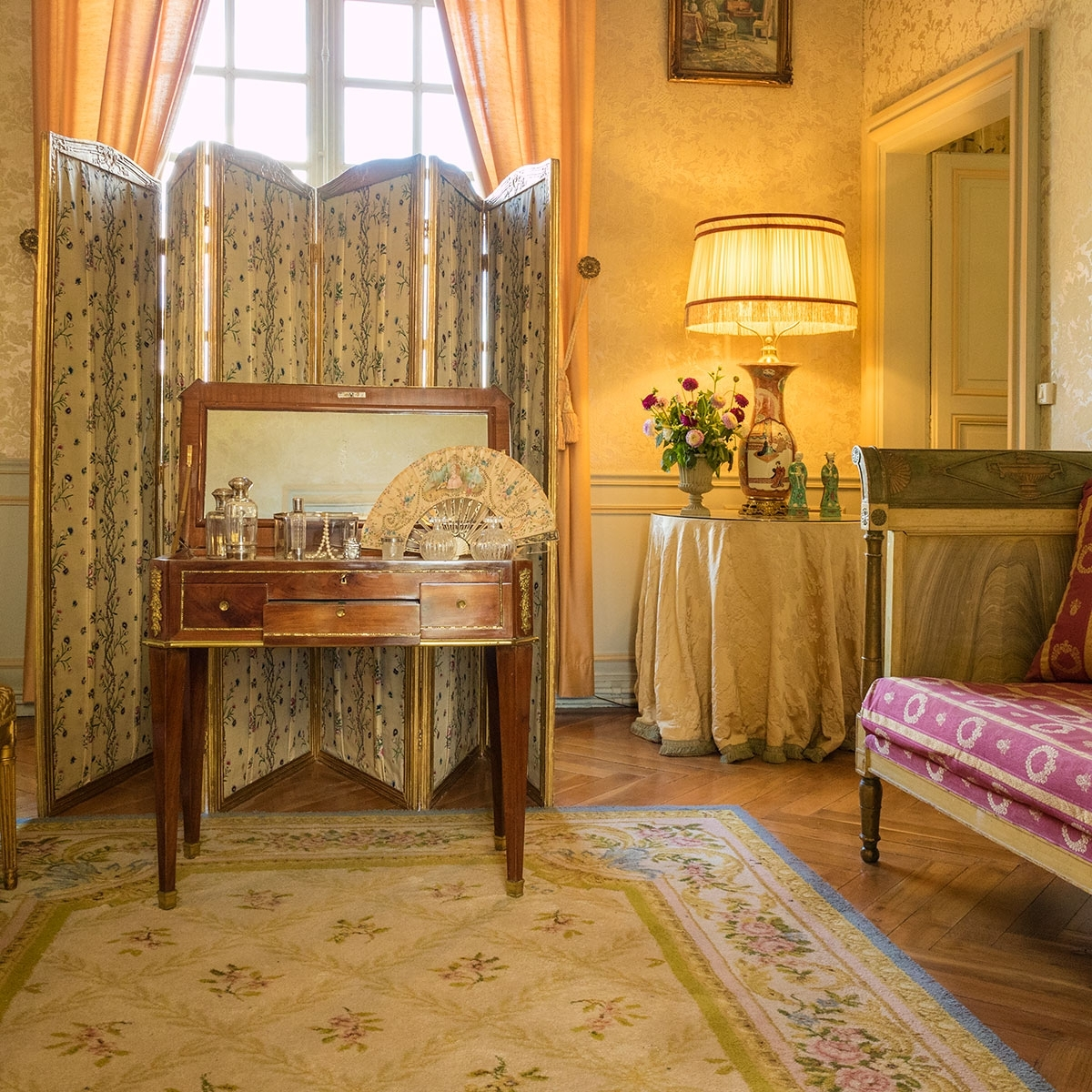 This delicate and harmonious balance of colours and patterns shows just how clever yet regal these designs were.