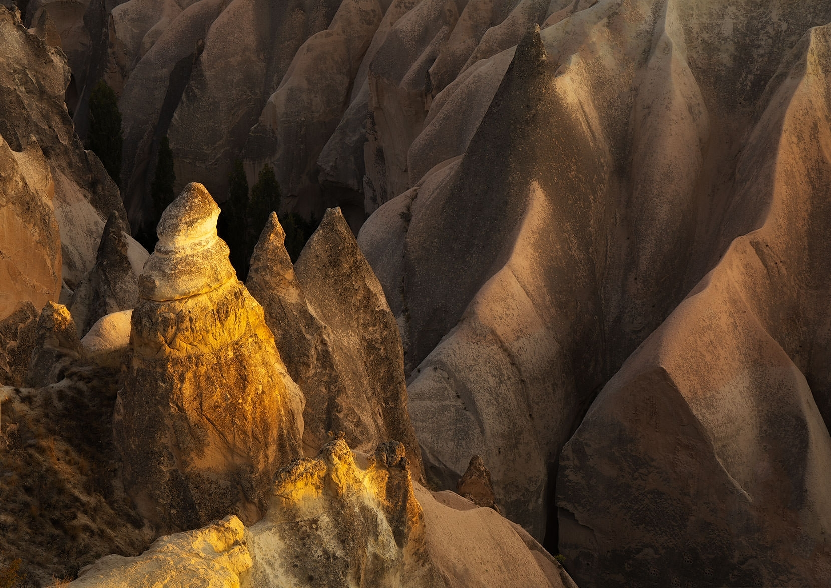 Incredible deep canyons in the Rose Valley make for some knife edge photography