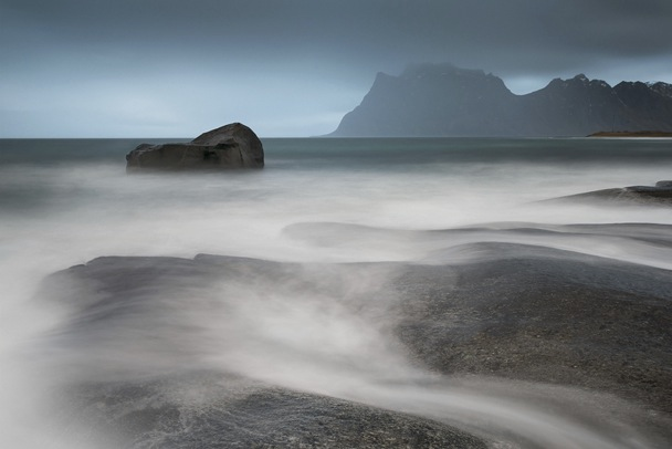 David Clapp Canon 1Dx Field Test - in poor weather in Norway